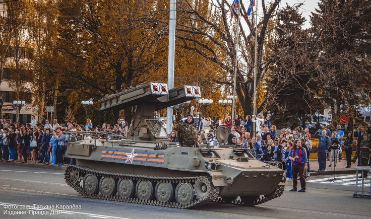 Donetsk held a dress rehearsal parade, timed to the forthcoming celebration of the 70th anniversary of the Victory over the fascist invaders.