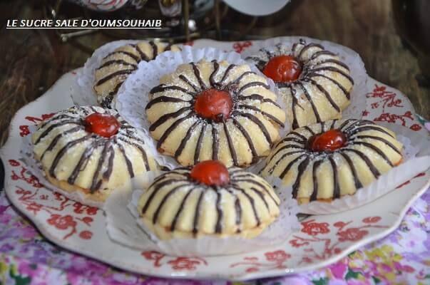 Marguerite samira tv au caramel Marguerite samira tv au caramel , selem et bonjour à tous !! Encore un peu de pâtisserie orientale avec cette belle recette de gâteaux algériens la marguerite samira tv ! Et aujourd'hui c'est notre chère Fahima qui partage avec nous sa version du gâteau fondant fleur de marguerite qu'elle aRead More