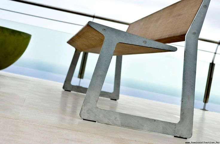 Bird - Basic collection The robust look of the Bird outdoor bench can be thank to the durable plantation teak and galvanized steel as materials which give the furniture a rough look, yet at the same time organic and refined. Greatly suitable for outdoor furniture, bench for terraces, hotel's gardens. #contractfurniture