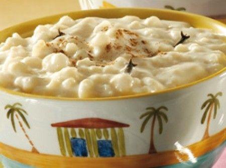 Receita de Canjica Doce - 1/2 kg de canjica branca, 1 litro de leite, 1 pitada de sal, açúcar a gosto, 1 lata de leite condensado, 1 vidro pequeno de leite...