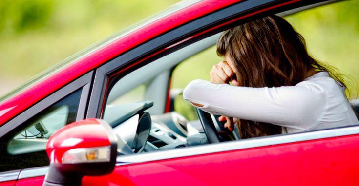 Sa conduci in stare de somnolenta e la fel de periculos ca si atunci cand conduci in stare de ebrietate. Numerele sunt greu de stabilit, dar statisticile spun ca sunt aproximativ 40.000 de accidente si 150 de ...