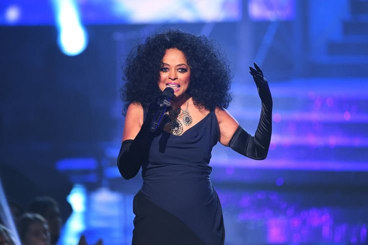 Diana Ross' AMAs Lifetime Achievement Performance Was the Joyful Moment We Needed in 2017 | Brit + Co