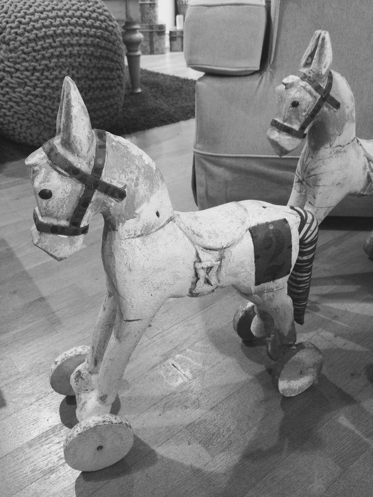 Cavallini di legno :)