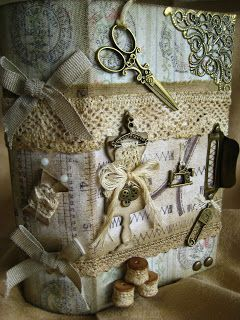 Altered wooden (sewing) box/book, made by Janny Jager ' t Hooft