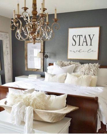 Rustic farmhouse style master bedroom ideas (22)