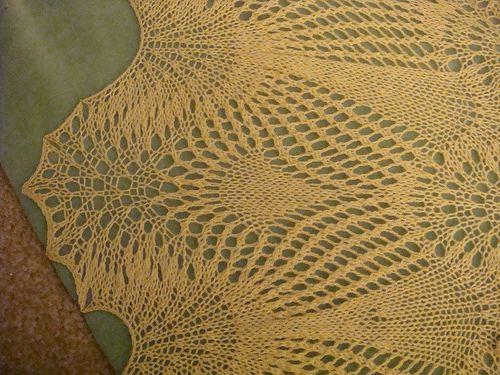 Knitting Veil Stitch : peacock knitting pattern Snow Peacock Bridal Veil - Free Knitting Pattern ...