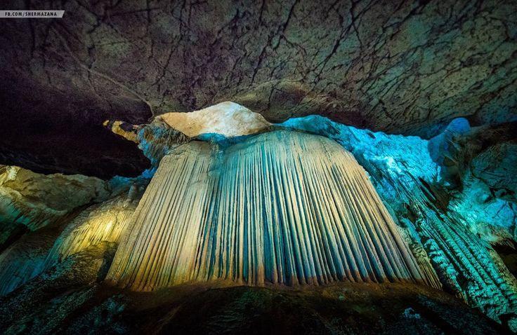 geotrvlПещера Прометея (англ. Prometheus Cave) или, как её ещё называют, пещера Кумистави, находится вблизи Цхалтубо и недалеко от Кутаиси. Это поистине жемчужина местных достопримечательностей Имеретии. особую атмосферу создает разноцветная подсветка и тихая классическая музыка во всех залах. Photo by @Snermanaza #Shermazana #cave #prometheus  #georgia #грузия #кутаиси #kutaisi #вид #view #viewofthecity #туризм #tourism #travel #путешествие #trip #georgiatravel #грузиялюбовьмоя…