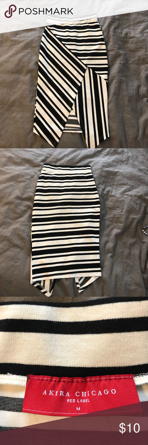 Women's Striped Pencil Skirt Flattering women's Akira striped black and white pencil skirt  Size M  Only worn once!  🧚🏼‍♀️ Bundle to save more 🧚🏼‍♀️ AKIRA Skirts Pencil