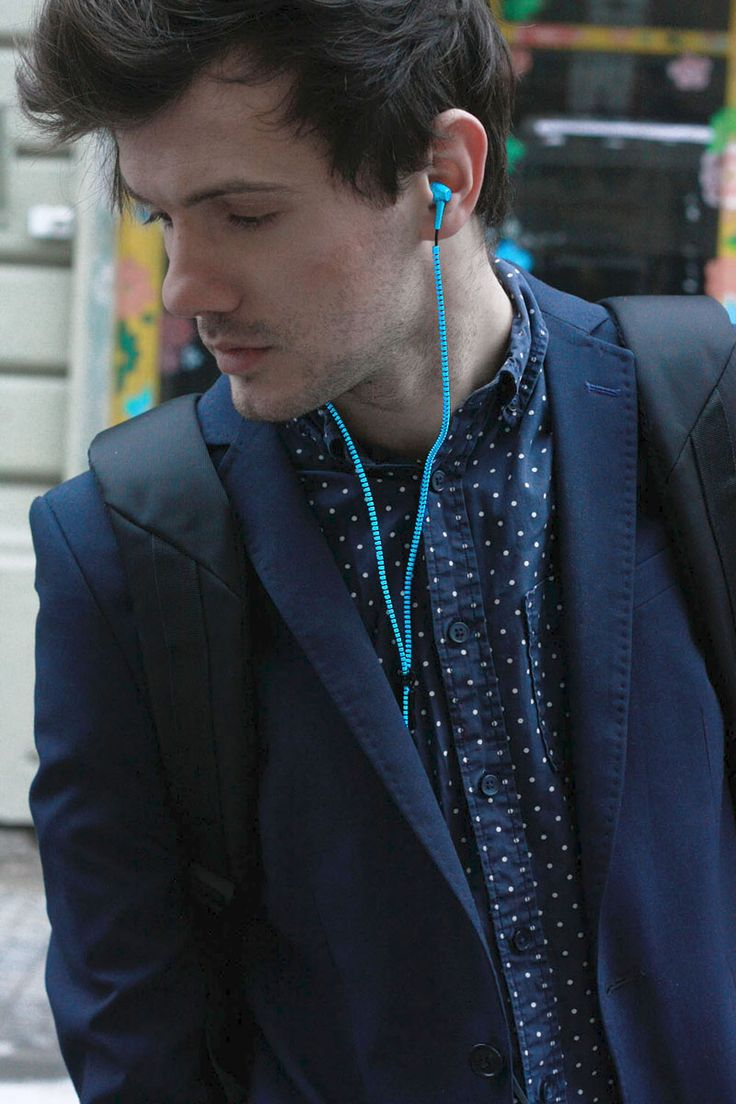 TheFashionJumper-canyon- suit  clasy  blue  earpones