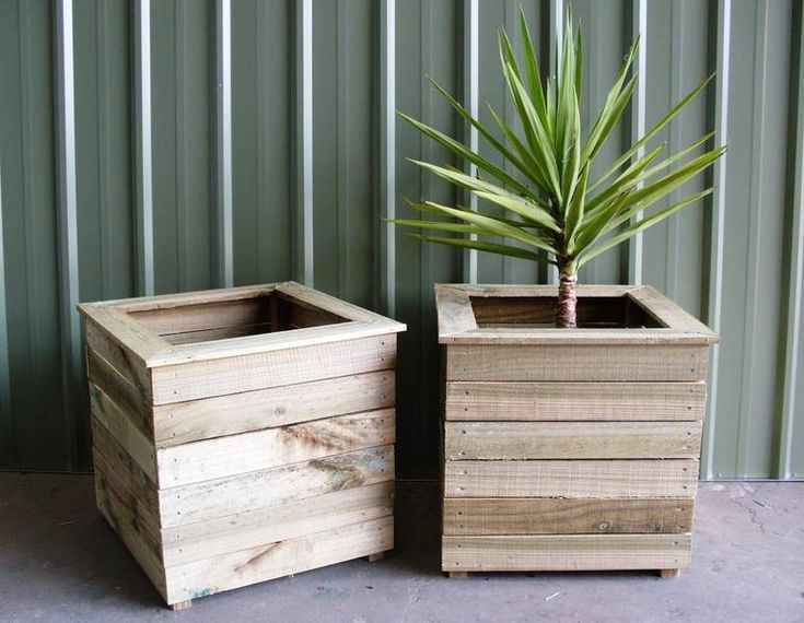 Board Cladding On Planters Raised Beds Pinterest