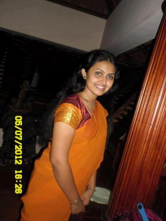 Meera Muralidharan In Half Saree  Tamil Girls, Married