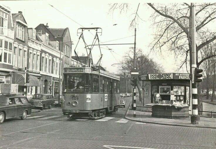 Hoek Noordsingel - Bergweg  lijn 11 naar Lisplein