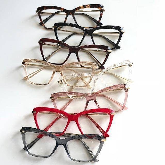 Ideia Por Emma Papias Em Reading Time Em 2020 Armacoes De Oculos