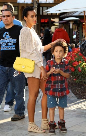 SOLANGE KNOWLES & Son Juelz | Beautiful Famous Black Women #Hairspiration   ♦️ SOLANGE INSPIRED #WEAVE BUNDLE DEALS AVAILABLE NOW ♦️   Click for more pictures of SOLANGE, music celebs, celebrity women of color, fashion & hair inspiration from Instagram to Hollywood | #BlackFashion #BlackHair #BlackHairstyles