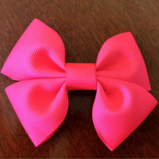 DIY Hair Bow ~ Eight By Five - Now, this is my type of bow!