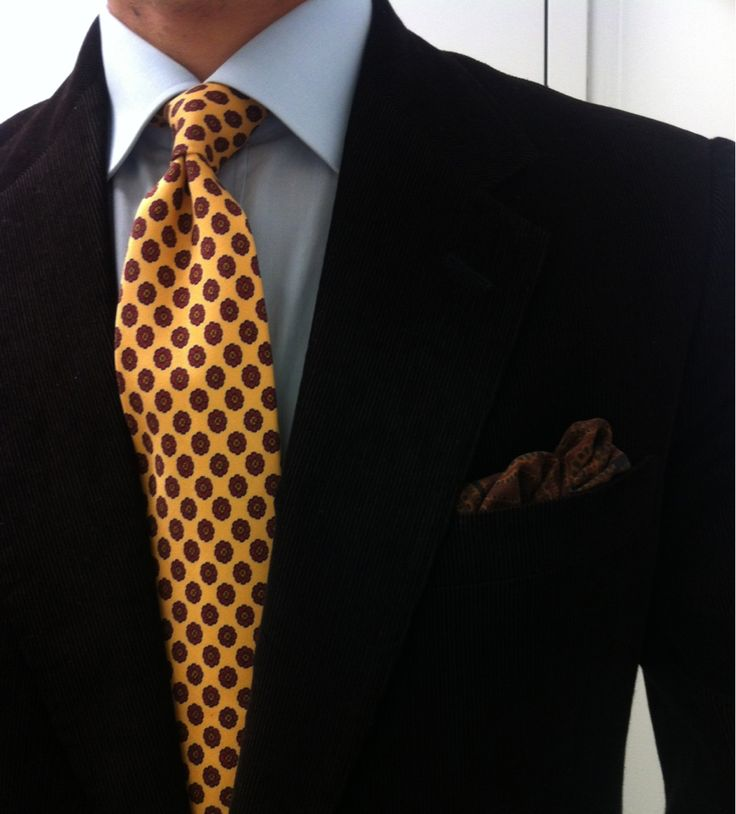 Smart office. Layered Navy/Blue/Gold. Solid/Stripe/Dot. Gold highlight