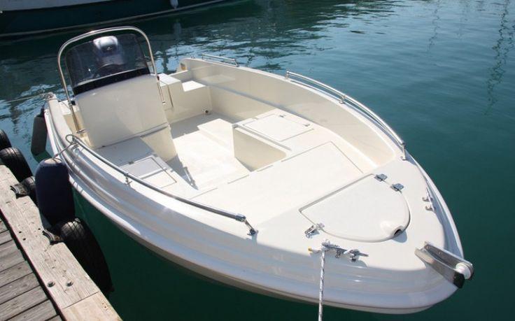 Karel 450 KAREL 450  Die neuen offenen Konsolenboote, ideal für schmale Plätze oder zum Trailern. Viel Stauraum, multifunktionell, ideale Laufeigenschaften. Die Boote ... Preis: CHF 9900,-Bodenseezulassung:Ja Jahrgang:2015Breite:4.50 m Angebot:Neuboote, Occasionen, VorführbooteLänge:1.90 m Typ:Sportboot, Fischerboot, Bowrider