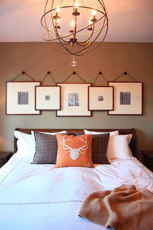 Ideas para decorar paredes con cuadros superpuestos