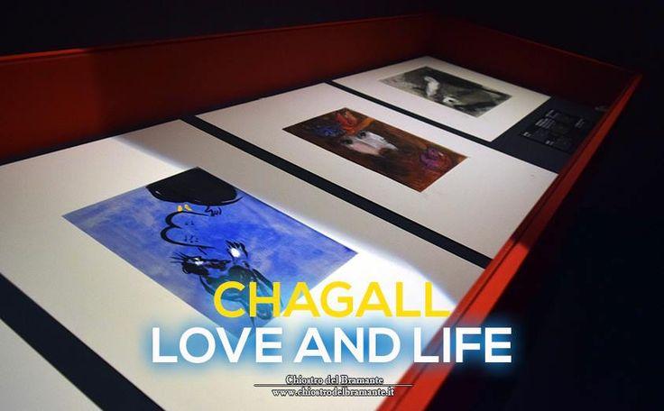 - L'itinerario artistico di Chagall si snoda lungo un arco di tempo assai ampio, attraversando le correnti più avanzate che occupano la scena europea e sviluppando, con assoluta coerenza e originalità, una tematica che ruota attorno ad alcuni nuclei centrali: la famiglia, il paese d'origine, la vita dei contadini nella terra russa, i riti ebraici -