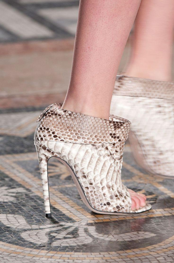 "Star by Julien Macdonald Gorgeous Gold Beaded 4"" Stilettos Toe-post Shoes Sz 6"