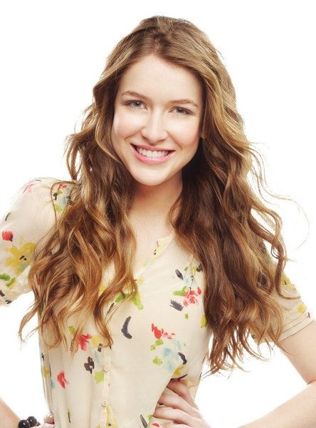 Nathalia Ramos was my fav person from  House of Anubis but now that she is gone KT is my fav