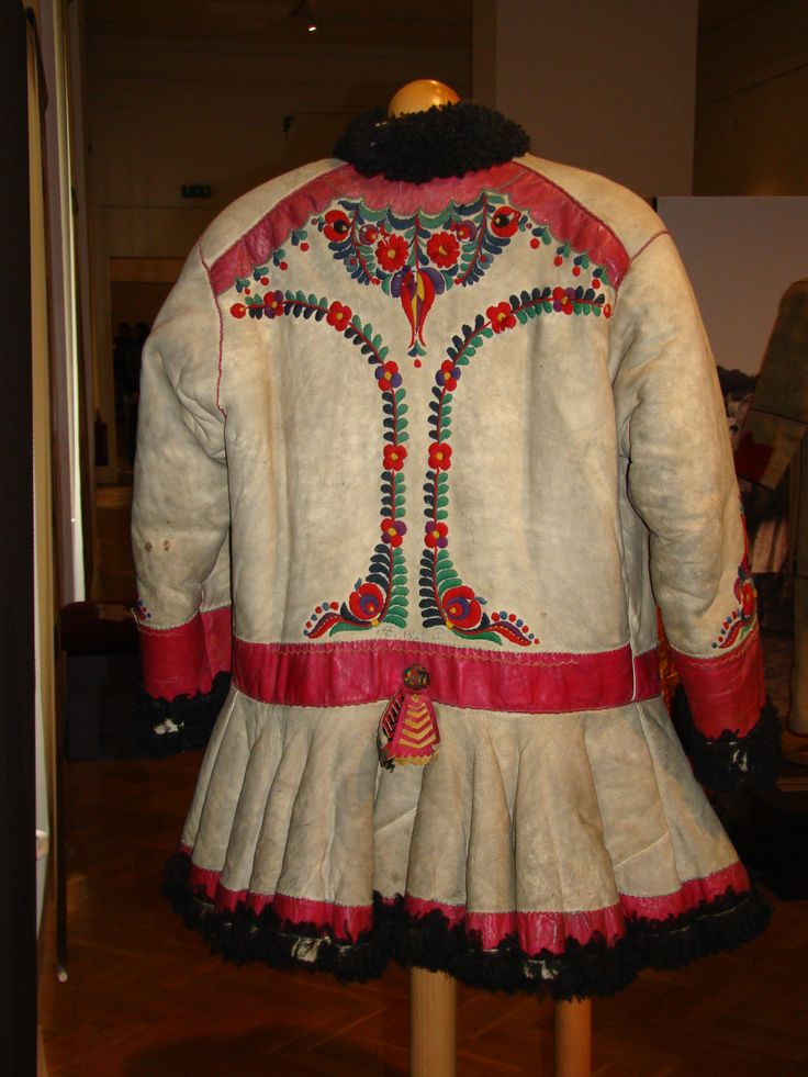 Hungarian coat from Fekete-Körös valley, Transylvania. It part of the Hungarian ethno-cultural region of the historical Transylvania province. After the Dictate of Trianon 1920, it became part of Romania. Museum of Ethnography, Budapest, Hungary.