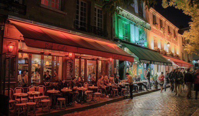 Want to step back in time and visit 1920s Paris? These bars, restaurants, and clubs will help you create your own Midnight in Paris during your next trip!
