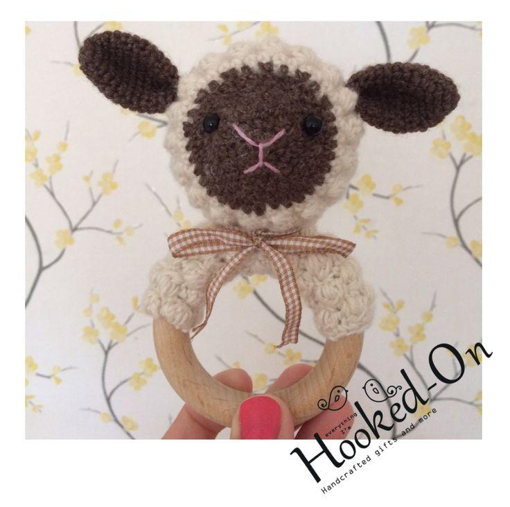 Baby rattle Lamb - Baby rammelaar Lammetje door AnoukHookedOn op Etsy