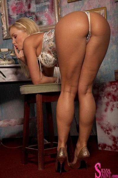 Sexy Milfs Ass 44