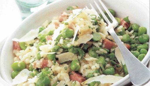 Deze heerlijke risotto vormt met een gemengde groene salade een gezonde, stevige maaltijd.