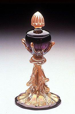 Lovely vintage perfume bottle<3<3<3
