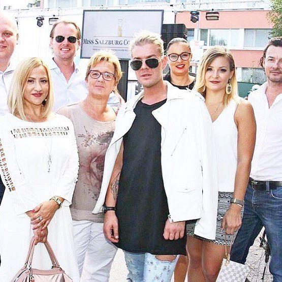Rückblick auf die Mister Salzburg Wahl 👏🏼. Eine Ehre, für das Styling verantwortlich und Teil der Jury gewesen zu sein 😃 @officialmisssalzburg   #misswahl#shooting#photo#photooftheday#beauty#makeup#style#blogger#studio#salzburg#austria#styling#instabeauty#instastyle#makeuptutorial#makeupartist#instamakeup#beautyblogger#instablogger#enjoy#daily#look#fantastique