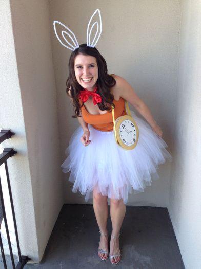 DIY Alice in Wonderland Bunny Rabbit costume by Bunny Baubles Blog