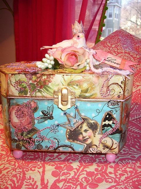 ** Altered Box Tutorial @rachelchristydesigns