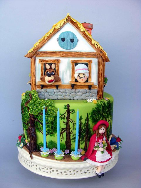 Little red riding hood cake by bubolinkata, via Flickr