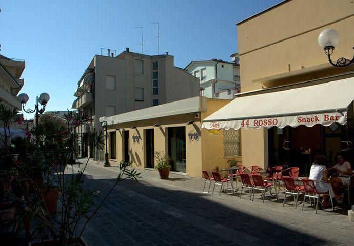 Photogallery Gabicce Mare | Gabicce Mare Vie e Piazze #gabicce #destinazionemarche #hotelacrux
