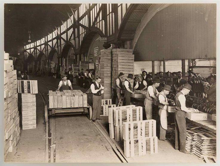 1890 inside Melbourne Fish Market