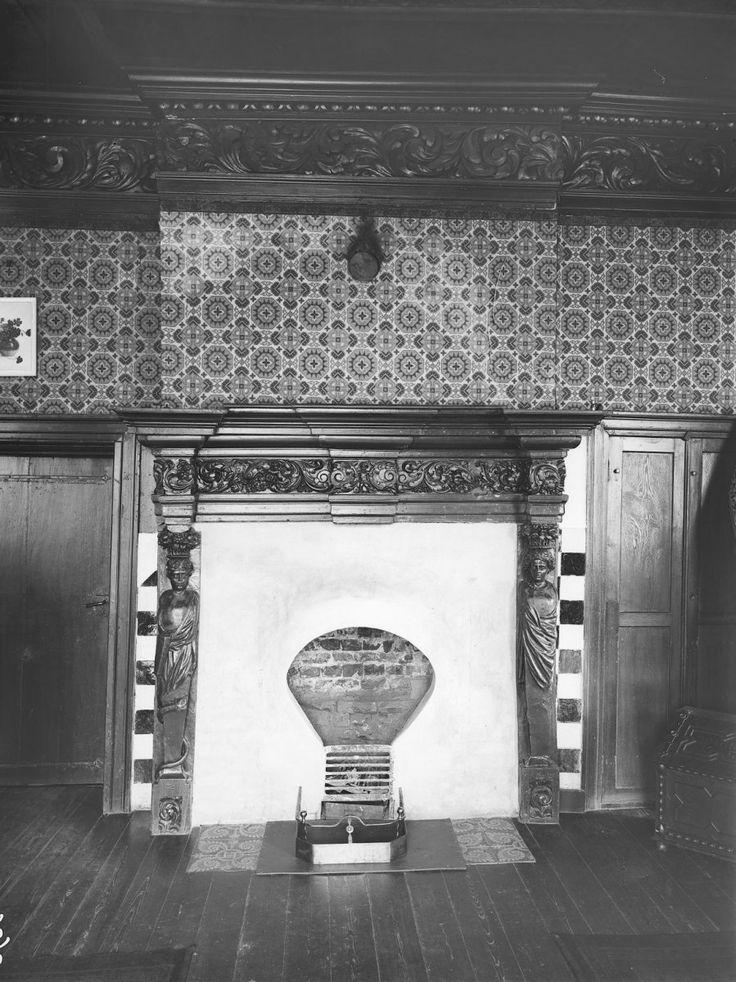Kasteel Bleijenbeek, schouw voorkamer 1e etage westvleugel (september 1919)