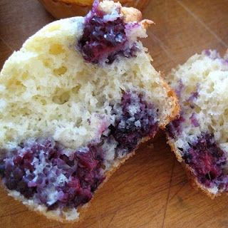 Blackberry Cake Mix Muffins - Real Mom Kitchen cake mx muffins - many recipies