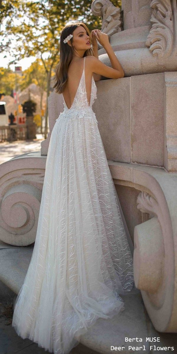 6a5d390b6fa 10 Wedding Dress Designers We Love (And You Will Too)