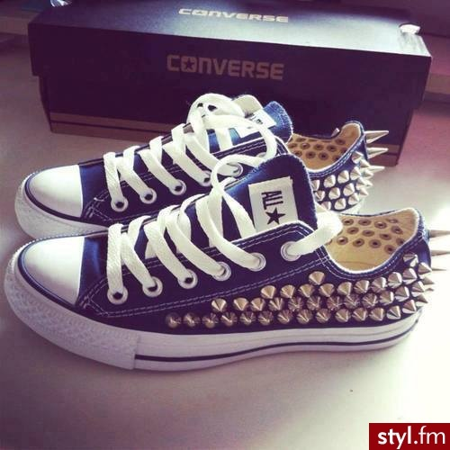 Studded Converses .   WHERE CAN I GET THESE !! 
