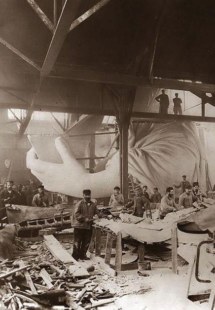 La construction de la Statue de la Liberté 1884