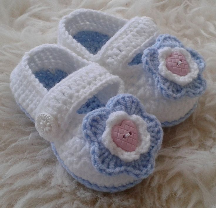 Crochet New Born Baby Shoes in Light Blue and White decorated with Heart Buttons, Baby Shower Gift, Photo Prop Shoes, Baby Christening Shoes by fromKikawithLove on Etsy