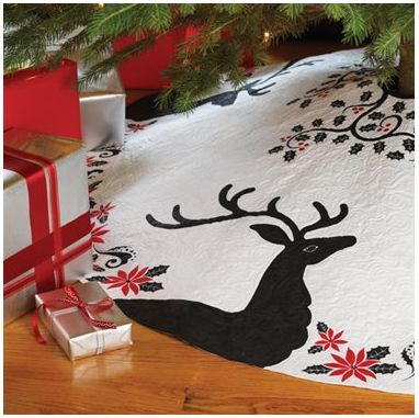 Best 25+ Christmas tree skirts ideas on Pinterest   Tree skirts ...