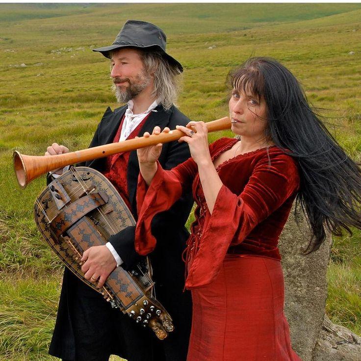 Performing #FolkWeekendOxford2016: Steve Tyler (hurdy gurdy cittern) and Katy Marchant (bagpipes whistle shawm)  #FolkWeekendOxford #FWO2016 #folkmusic #musicfestivals #folksongs by folkweekend_oxford https://www.instagram.com/p/BCXUx7NwSeq/ #jonnyexistence #music