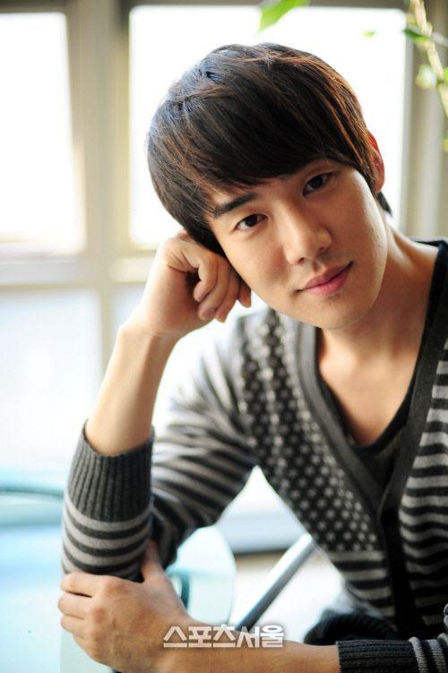 Yoo Yun Suk (Yu Yeon Seok) love him in answer me 1994