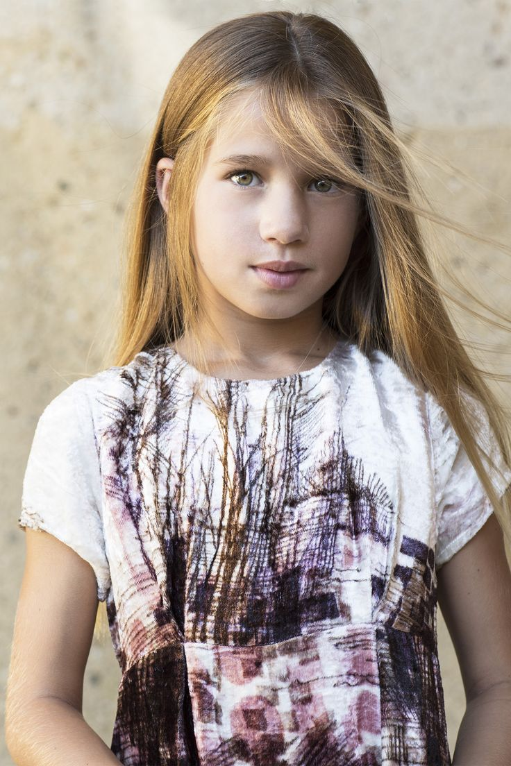 Nordic Light | Girls | Velvet | Dress | Photography