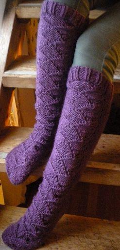 Pitkävartiset sukat , lankana Novitan Aapo Ohje: http://www.ravelry.com/patterns/library/perhot-pitkavartiset