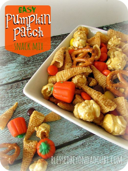 FUN holiday snack mix recipes that are festive! Everyone loves them and they are…