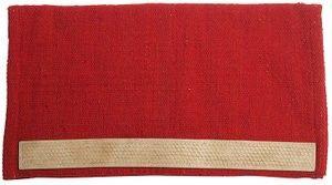 Mantilla western lana/cuero liso. Mantilla western de lana tejida con paso de cincha de cuero natural estampado. Medidas 85 x 93 cm  Color único Rojo con cuero color Natural.